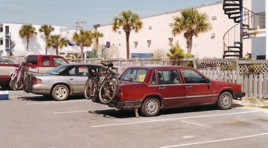 Main photo of Kerry Martin's 1989 Volvo 740