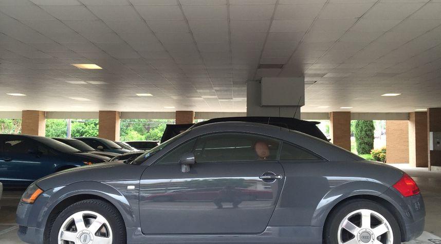 Main photo of Brandon DeLoach's 2000 Audi TT