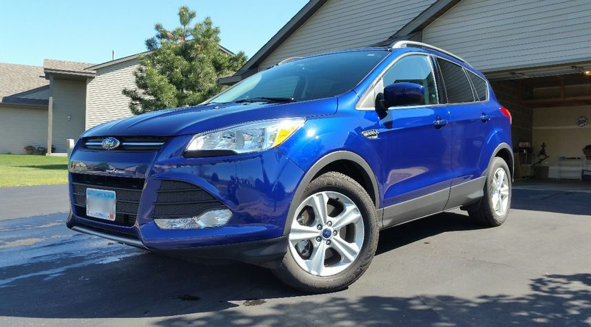 Main photo of James Hickey's 2016 Ford Escape
