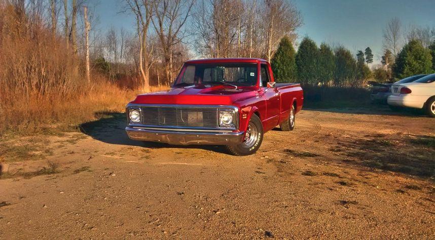Main photo of Zach Tuttle's 1972 Chevrolet C10/K10