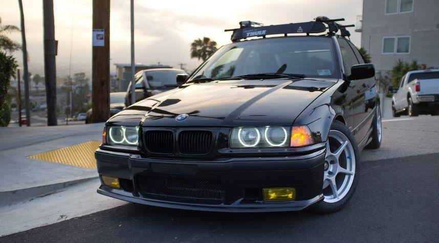 Main photo of Garrett Davis's 1997 BMW 3 Series