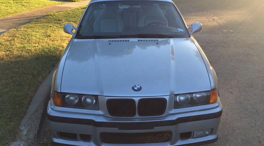 Main photo of Rob Kleifgen's 1999 BMW M3