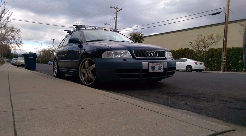 Main photo of Fernando Landaverde's 2001 Audi S4