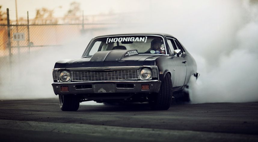Main photo of TheHoonigans's 1971 Chevrolet Nova