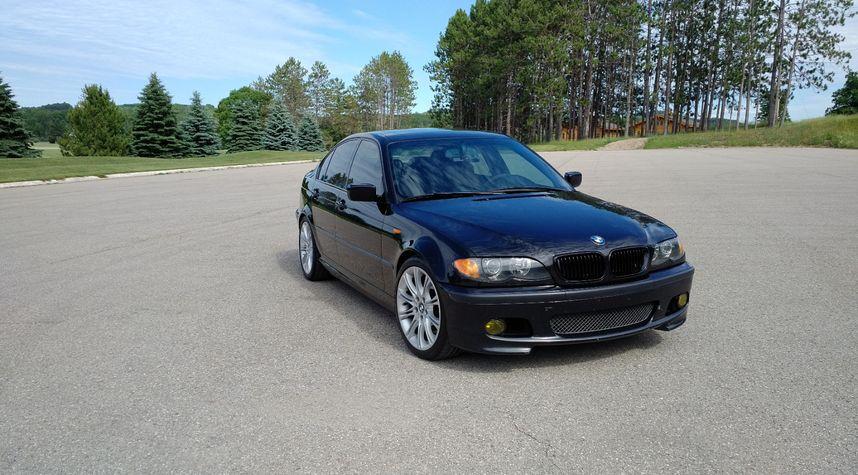 Main photo of Ryan Kneeshaw's 2003 BMW 3 Series