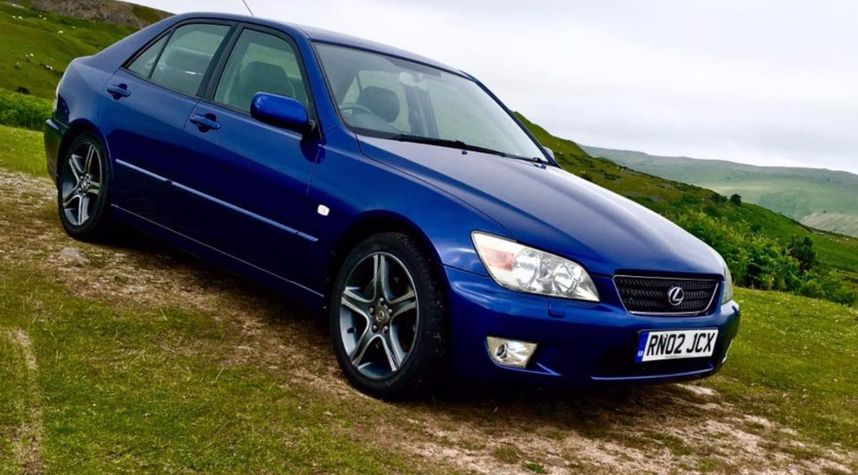 Main photo of Andrew Cordingley's 2002 Lexus IS 200
