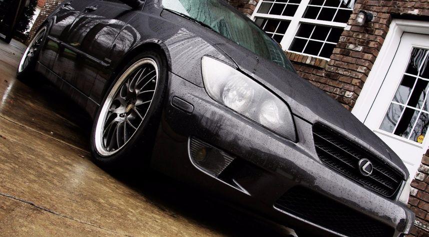 Main photo of Alex Buck's 2003 Lexus IS 300