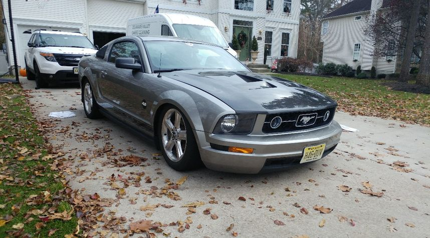 Main photo of Liam Stark's 2008 Ford Mustang