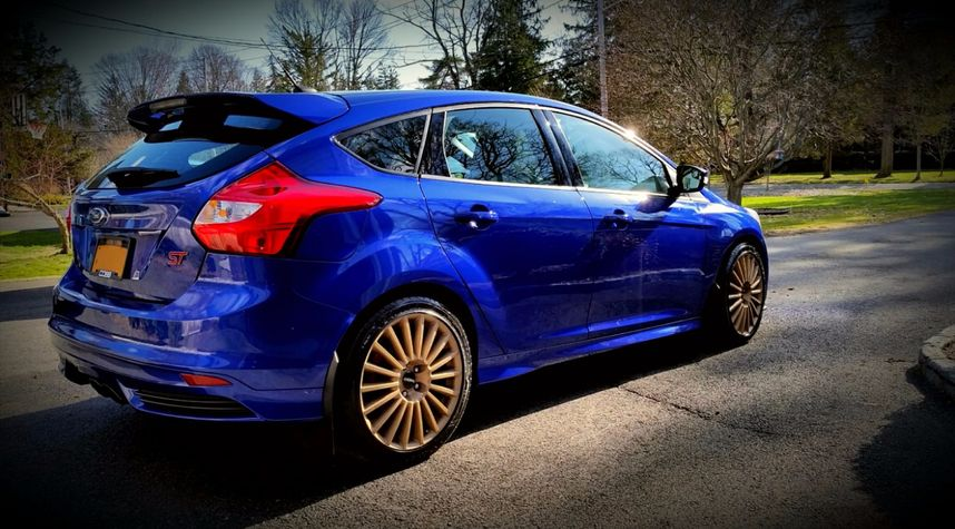 Main photo of Nathan Gregoire's 2014 Ford Focus ST