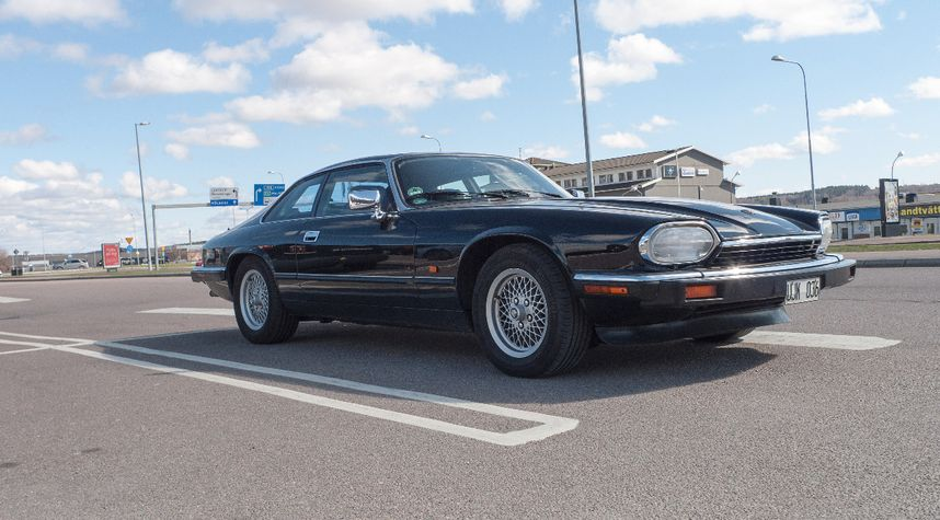 Main photo of Peter Kihlman's 1983 Jaguar XJS