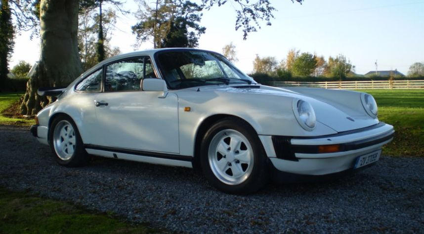 Main photo of Owen Whelan's 1977 Porsche 911