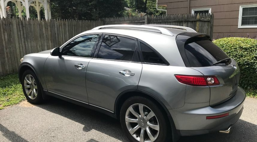 Main photo of Imran Choudhury's 2004 Infiniti FX35