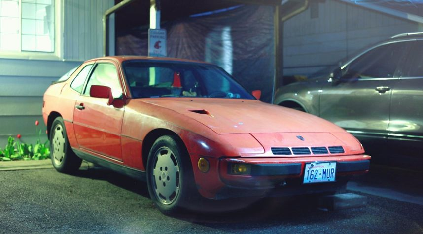 Main photo of Rafael Mendoza's 1981 Porsche 924