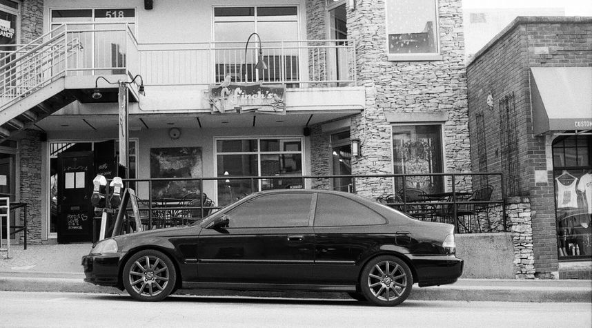 Main photo of Ben Tokarski's 1998 Honda Civic