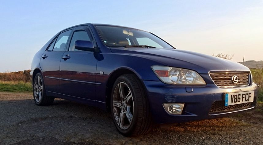 Main photo of Joe Quirk's 1999 Lexus IS 200