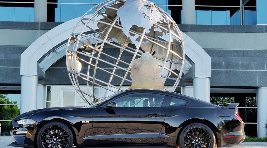 Main photo of Richard Wensel's 2019 Ford Mustang