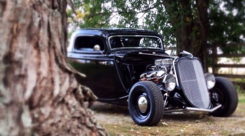 Main photo of Hunter Vinup's 1933 Ford Model 40