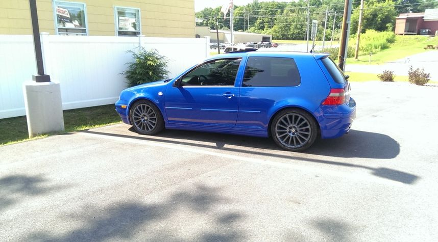 Main photo of Justin VanRiper's 2003 Volkswagen GTI