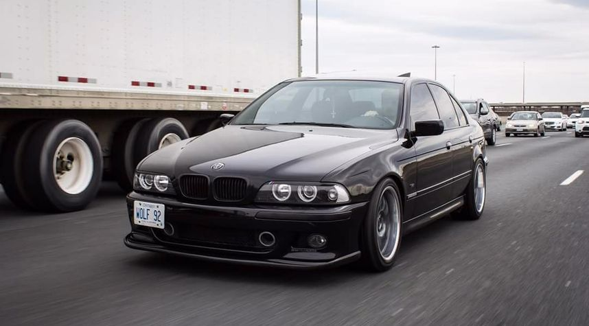Main photo of Adrian Wolf's 2000 BMW 5 Series