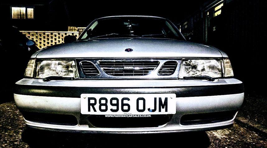 Main photo of Simon Lowes's 1999 Saab 9-3