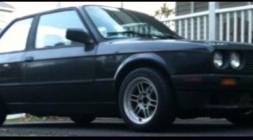 Main photo of Andrew Snyder's 1991 BMW 3 Series