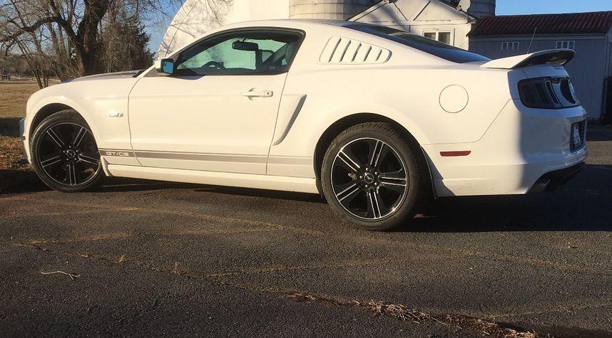 Main photo of Zach Buscher's 2013 Ford Mustang