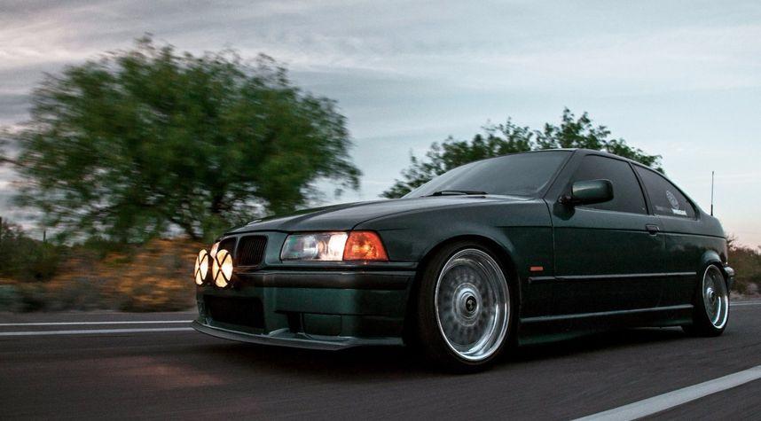 Main photo of Oliver von Mizener's 1998 BMW 3 Series