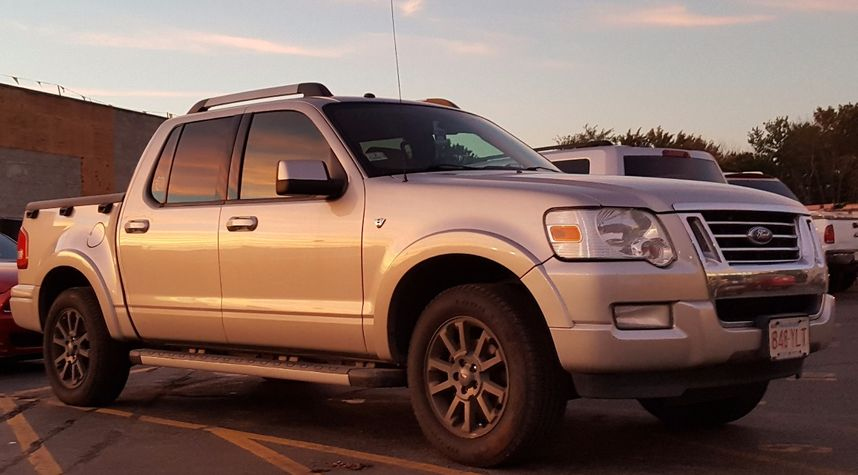Main photo of Aaron Spencer's 2007 Ford Explorer Sport Trac