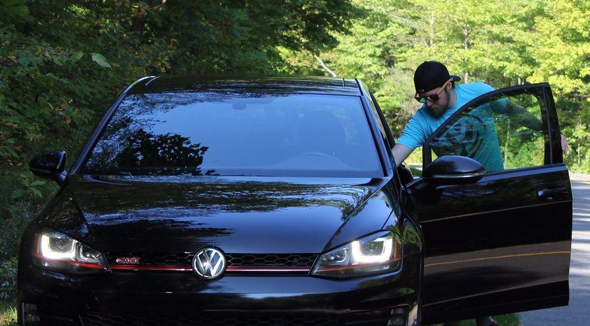 Main photo of Jonathan Ouellet's 2015 Volkswagen Golf GTI