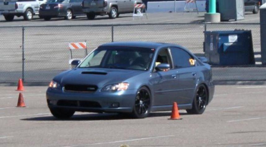 Main photo of Jonathan Bulow's 2005 Subaru Legacy