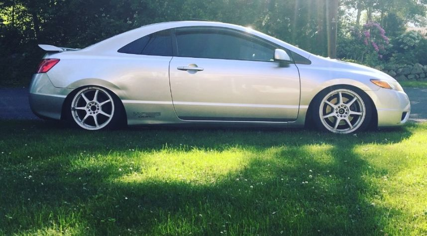 Main photo of Jordan Dasilva's 2006 Honda Civic