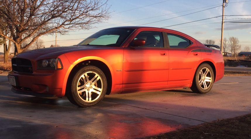 Main photo of Matthew Rabe's 2006 Dodge Charger