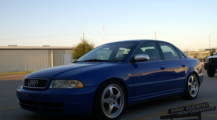 Main photo of Matt No's 2001 Audi S4
