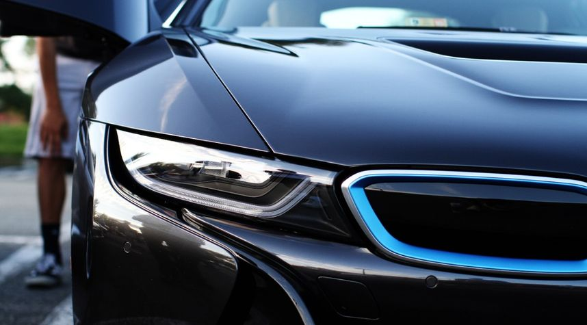 Main photo of BatteryTender Unnecessary's 2014 BMW i8