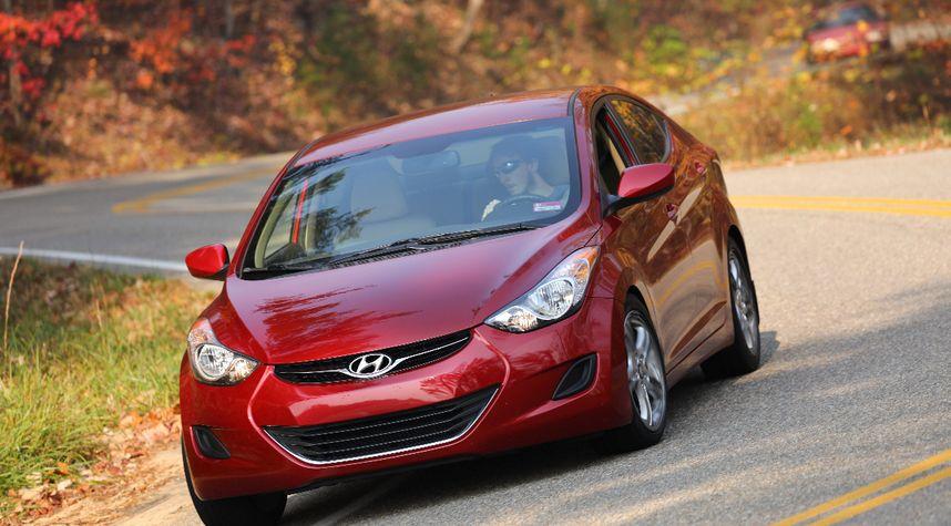Main photo of Nicolas Lopes's 2012 Hyundai Elantra