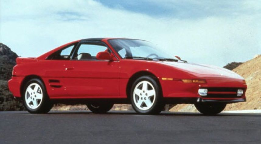 Main photo of Dez Doles's 1993 Toyota MR2