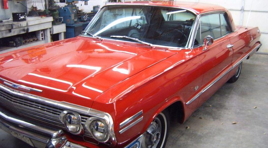 Main photo of Waylon Wire's 1963 Chevrolet Impala