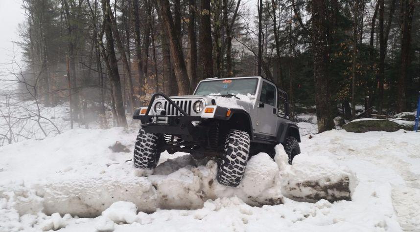 Main photo of Brett Tatakes's 2002 Jeep Wrangler