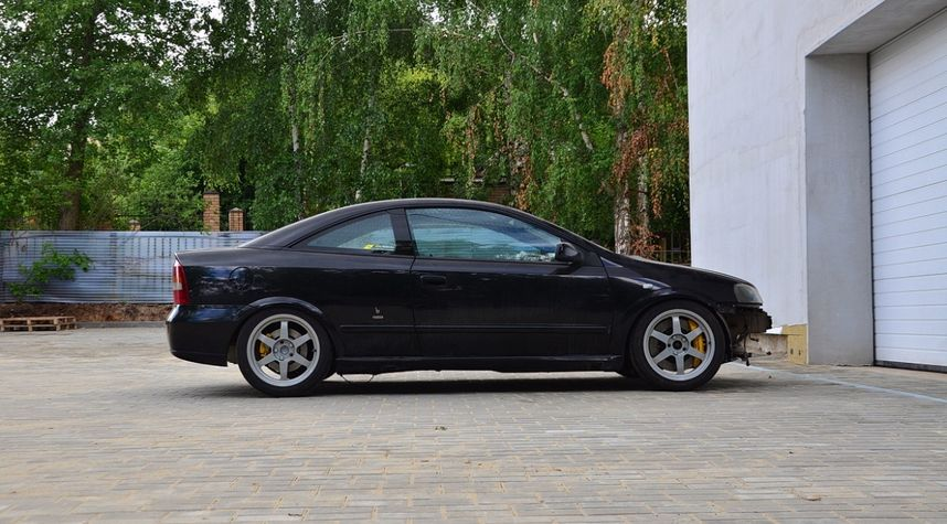 Main photo of Mike Chus's 2003 Opel Astra