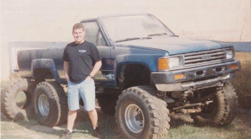 Main photo of Jerry Bourquin's 1986 Toyota Pickup
