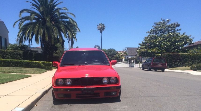 Main photo of Cole Roussos's 1990 BMW 3 Series