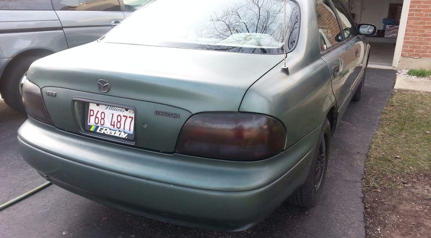 Main photo of Rafael Bunag's 1998 Mazda 626