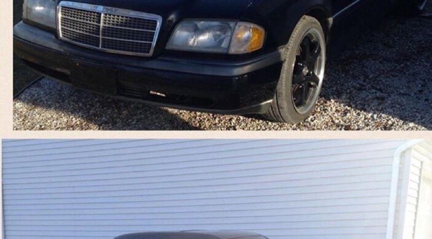Main photo of Parker Benjamin's 1994 Mercedes-Benz C-Class
