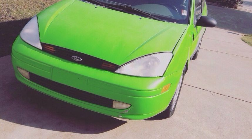 Main photo of Raymund Giles's 2002 Ford Focus
