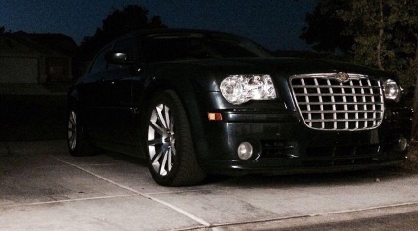 Main photo of Ian Latronica's 2007 Chrysler 300