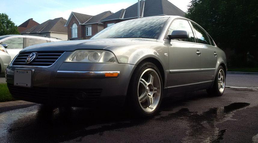 Main photo of Scott Hardock's 2003 Volkswagen Passat