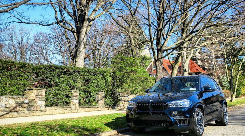 Main photo of Mark Jawdoszyn @mr.jawdoszyn's 2017 BMW X5 M