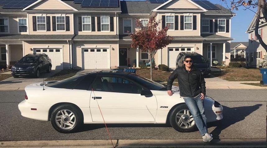 Main photo of Joseph Aleman Jr.'s 1994 Chevrolet Camaro