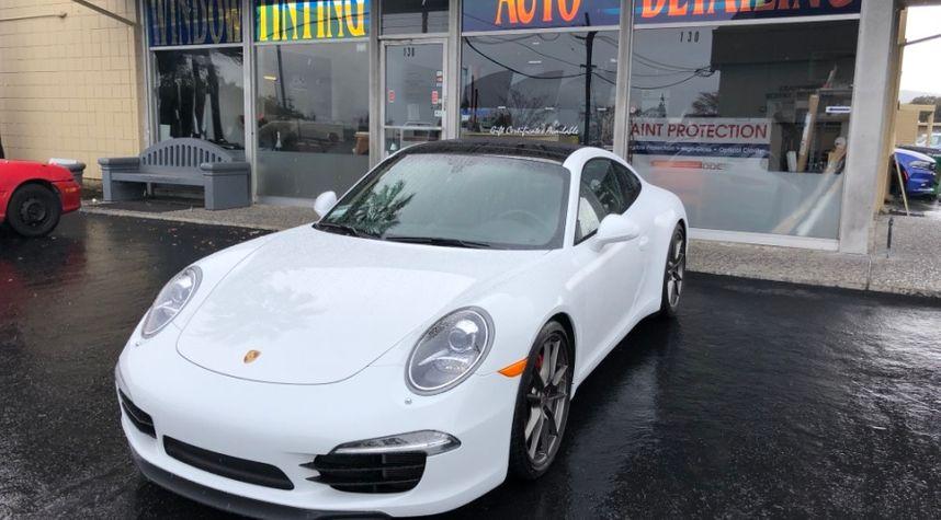 Main photo of Jahan Minoo's 2013 Porsche 911