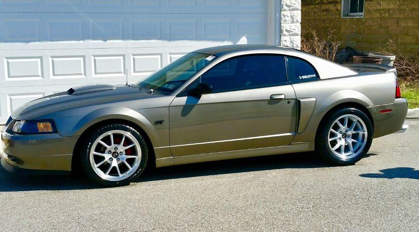 Main photo of Rob Martin's 2002 Ford Mustang